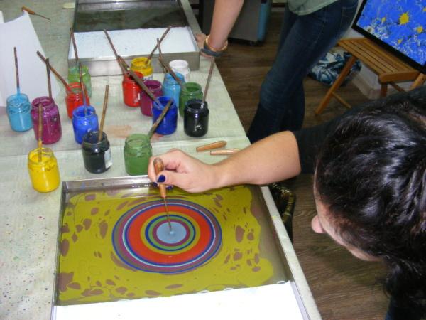 warsztaty malowania na wodzie ebru