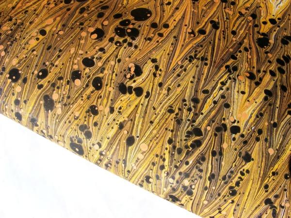 papier marmurkowy żółty gelgit osa, papier marmoryzowany, papier marmurkowy malowany ręcznie na powierzchni wody, papier introligatorski, dla konserwatorów papieru, hertmanus, marbled paper