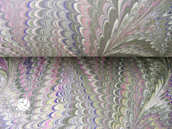 papier marmurkowy grzebieniowy różowe wrzosy, papier marmoryzowany, papier marmurkowy malowany ręcznie na powierzchni wody, papier introligatorski, dla konserwatorów papieru, hertmanus, marbled paper