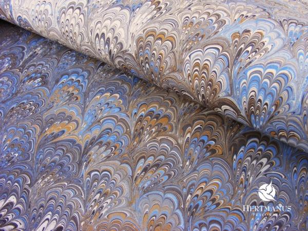 papier marmurkowy błękitne pióra bouquet, papier marmoryzowany, papier marmurkowy malowany ręcznie na powierzchni wody, papier introligatorski, dla konserwatorów papieru, hertmanus, marbled paper