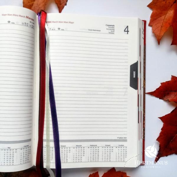 Kalendarz Retro Czerwony na 2021 rok