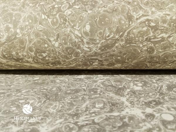 papier marmurkowy jasnoszary marmur, papier marmoryzowany, papier marmurkowy malowany ręcznie na powierzchni wody, papier introligatorski, dla konserwatorów papieru, hertmanus, marbled paper