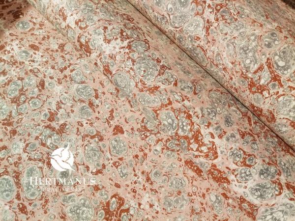 papier marmurkowy szaro-różowy, papier marmoryzowany, papier marmurkowy malowany ręcznie na powierzchni wody, papier introligatorski, dla konserwatorów papieru, hertmanus, marbled paper